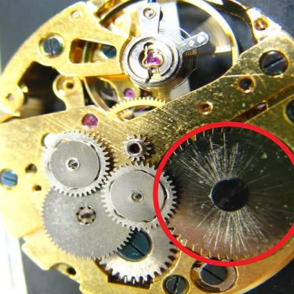 機械式時計の内部構造例